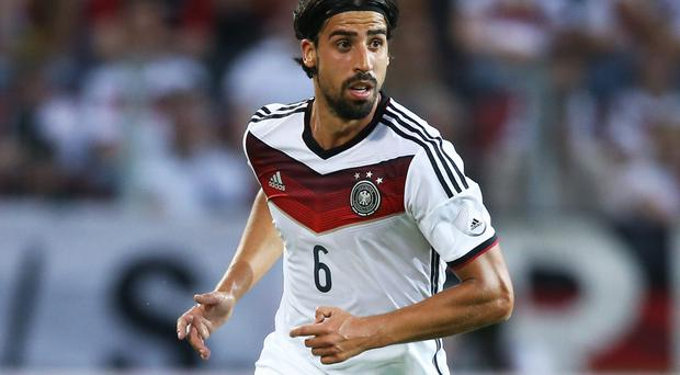 Sami Khedira's injury history is putting Arsenal off a move for the Real Madrid midfielder. Photo: Simon Hofmann/Bongarts/Getty Images