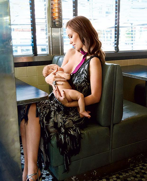 Olivia Wilde in the photoshoot for Glamour magazine