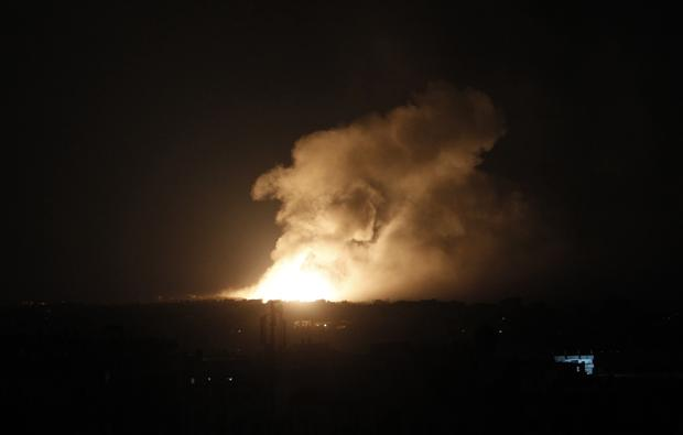 Smoke and fire billow following an Israeli air strike in Rafah in the southern Gaza Strip e