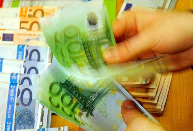 Spending rose by 5.6pc in June compared with the same month last year