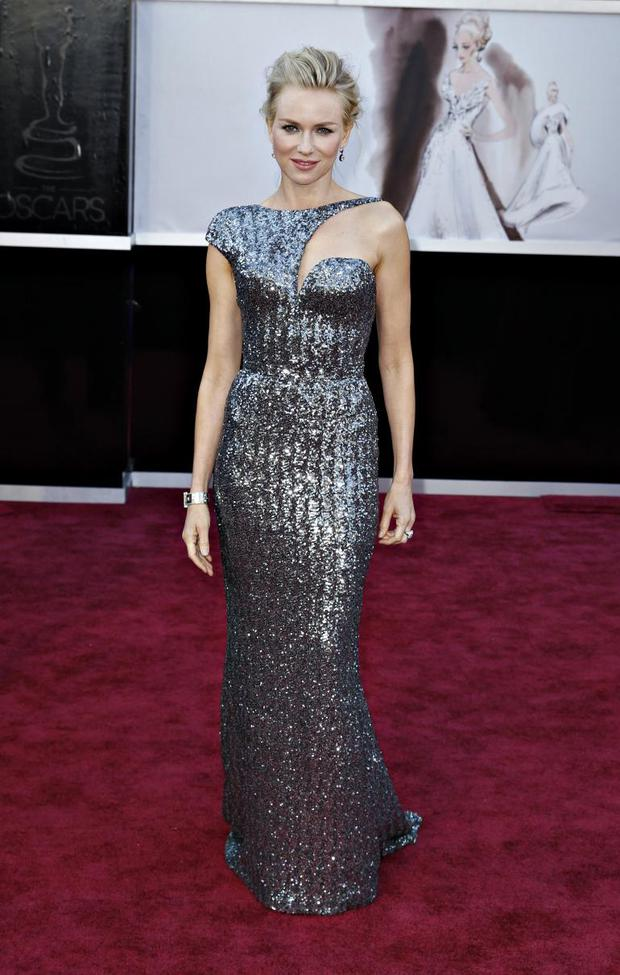 Naomi Watts at the 2013 Oscars in Armani Prive