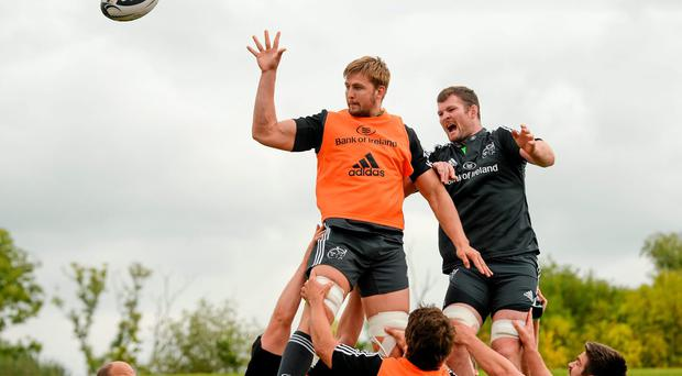 Munster's Dave Foley wins possession in a lineout ahead of Donnacha Ryan during squad training ahead of their Guinness PRO12 match against Ospreys today. Diarmuid Greene / SPORTSFILE