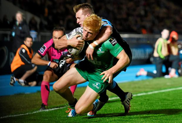 Darragh leader goes over to score a try for Connacht during their defeat against Glasgow. Rob Casey / SPORTSFILE