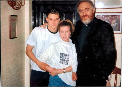 Ross and Phyllis Hamilton with Fr Cleary