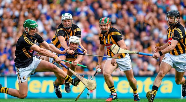 Tipperary's Patrick 'Bonner' Maher is crowded out by Kilkenny's Eoin Murphy, Padraig Walsh, Kieran Joyce and JJ Delaney. Picture credit: Stephen McCarthy / SPORTSFILE