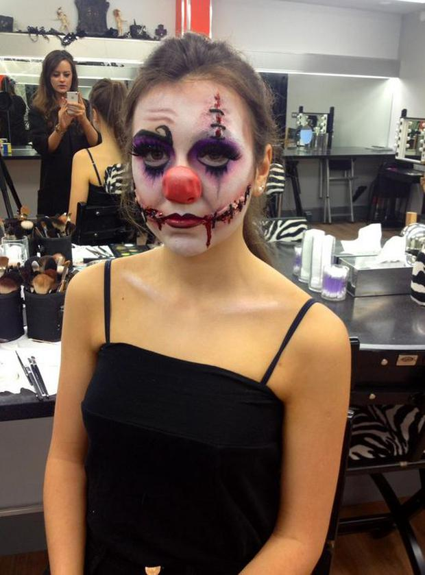 VIDEO: How to get a \'Creepy Clown\' Halloween look with Chelsea ...