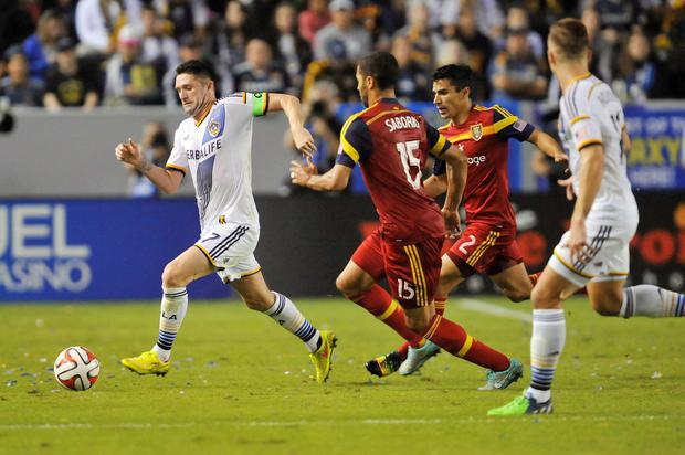 Los Angeles Galaxy forward Robbie Keane (7) on the ball against Real Salt Lake during the first half at StubHub Center. Mandatory Credit: Gary A. Vasquez-USA TODAY Sports