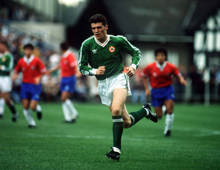 22 May 1991; Roy Keane, Republic of Ireland, makes his debut against Chile at Lansdowne Road, Dublin. Soccer. Picture credit; David Maher/SPORTSFILE