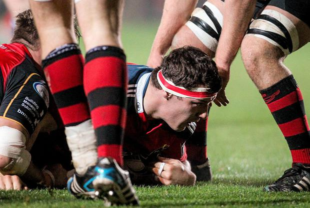 Robin Copeland, Munster, goes over for his side's first try. Guinness PRO12, Round 8, Newport Gwent Dragons v Munster, Rodney Parade, Newport, Wales. Picture credit: Steve Pope / SPORTSFILE