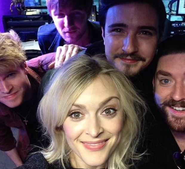 Fearne Cotton tweets pic with Kodaline in studio