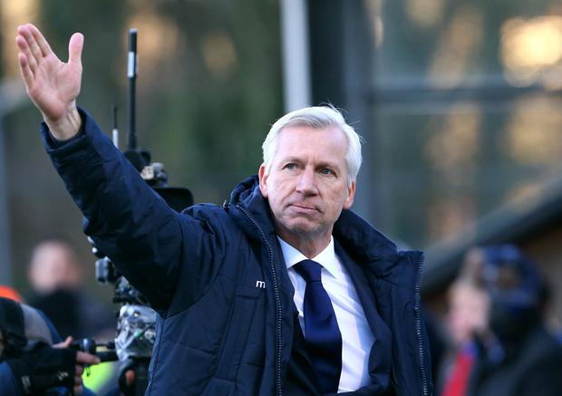 Crystal Palace manager Alan Pardew salutes the fans as he celebrates victory