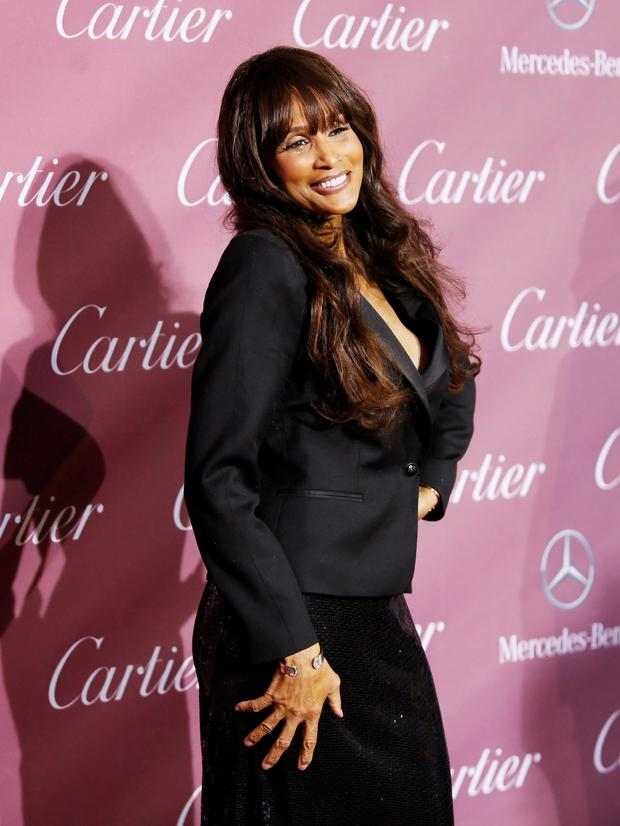 Model Beverly Johnson poses at the 26th Annual Palm Springs International Film Festival Awards Gala in Palm Springs, California January 3, 2015. REUTERS/Danny Moloshok (UNITED STATES - Tags: ENTERTAINMENT)
