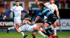 Jarrad Hoeata, Cardiff Blues, puts in a high tackle on Rob Kearney, Leinster, for which he received a red card. Guinness PRO12, Round 13, Cardiff Blues v Leinster. BT Sport Cardiff Arms Park, Cardiff, Wales. Picture credit: Stephen McCarthy / SPORTSFILE