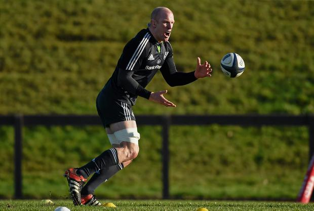 Paul O'Connell goes through his exercise routine at Munster training