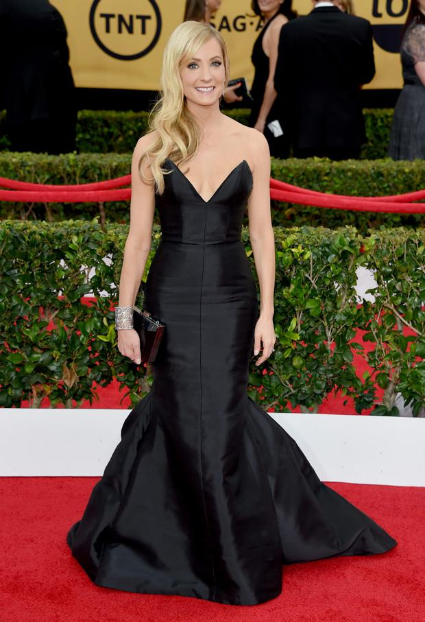 Actress Joanne Froggatt channeling Reese Witherspoon, but still pulls it off. Verdict: HIT.