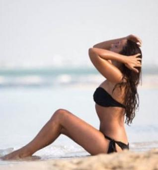 Nadia Forde shared sexy bikini pictures on social media