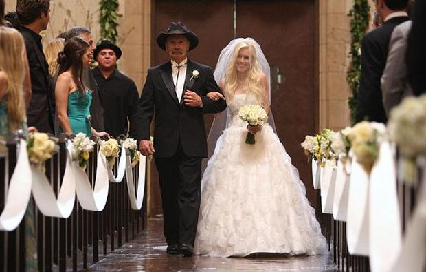 Bill Montag walked daughter Heidi up the aisle in 2009