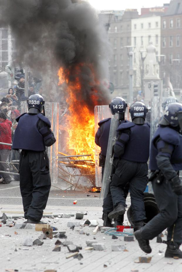 Rioting in O'Connell Street which stopped the planned Love Ulster March through the city in 2006