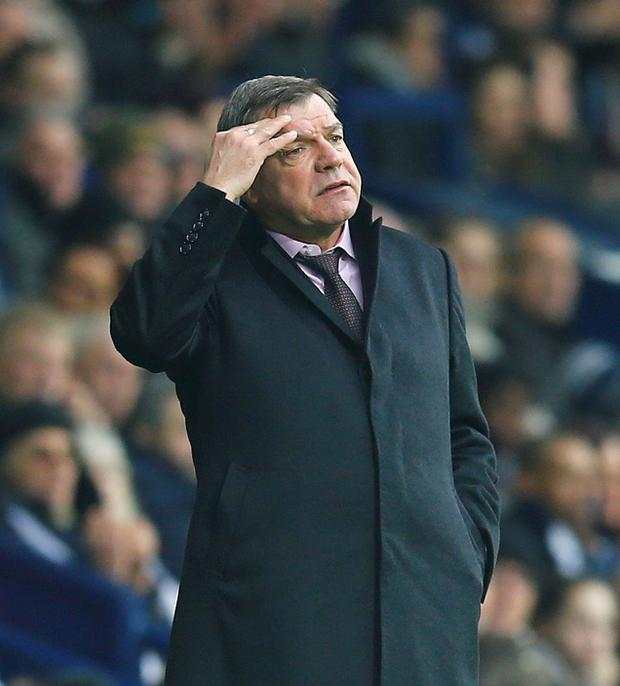 REFILE - CORRECTING TO FA CUP MATCH West Ham United's manager Sam Allardyce reacts during their FA Cup fifth round soccer match against West Bromwich Albion at the Hawthorns in West Bromwich, England, February 14, 2015. REUTERS/Darren Staples (BRITAIN - Tags: SPORT SOCCER)