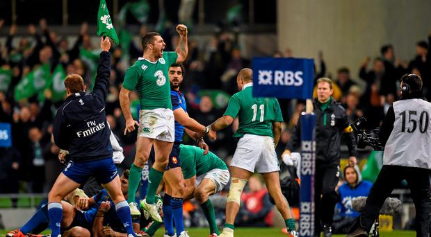 14 February 2015; Ireland's Rob Kearney celebrates at the blow of final wistle. RBS Six Nations Rugby Championship, Ireland v France. Aviva Stadium, Lansdowne Road, Dublin. Picture credit: Stephen McCarthy / SPORTSFILE