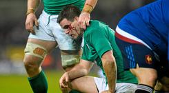 Jonathan Sexton, Ireland, picks up a blood injury following a clash of heads during the second half. RBS Six Nations Rugby Championship, Ireland v France. Aviva Stadium, Lansdowne Road, Dublin. Picture credit: Ramsey Cardy / SPORTSFILE