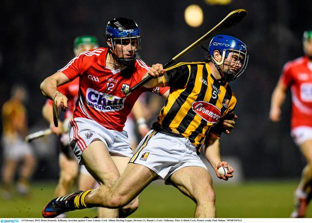 14 February 2015; Brian Kennedy, Kilkenny, in action against Conor Lehane, Cork. Allianz Hurling League, Division 1A, Round 1, Cork v Kilkenny. P?irc U? Rinn, Cork. Picture credit: Paul Mohan / SPORTSFILE