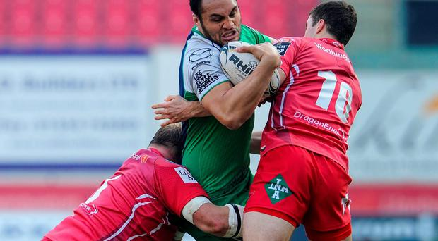 Connacht's George Naoupu is unable to find a way past Peter Edwards and Steve Shingler, Scarlets.