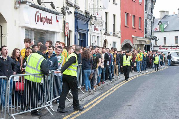 The queue for the Hole in the Wall bar early on DONEGAL TUESDAY Photo: Andrew Downes