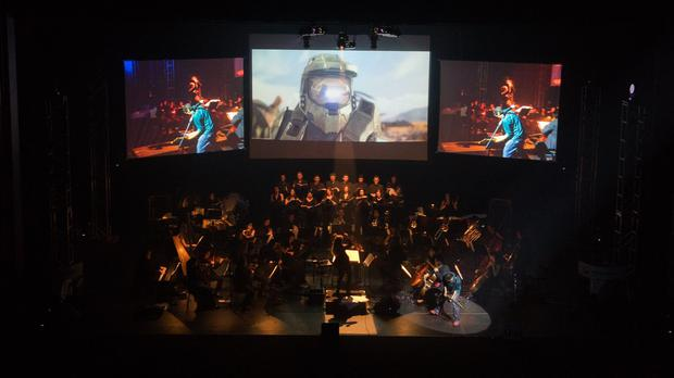 Eimear Noone and Tommy Tallarico rocking out with some Halo at Video Games Live