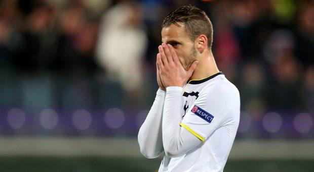 Tottenham's Roberto Soldado looks dejected after a missed chance