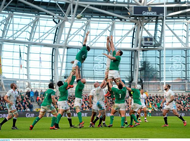 1 March 2015; Devon Toner, Ireland, wins possession from a lineout ahead of Dave Attwood, England. RBS Six Nations Rugby Championship, Ireland v England. Aviva Stadium, Lansdowne Road, Dublin. Picture credit: Matt Browne / SPORTSFILE