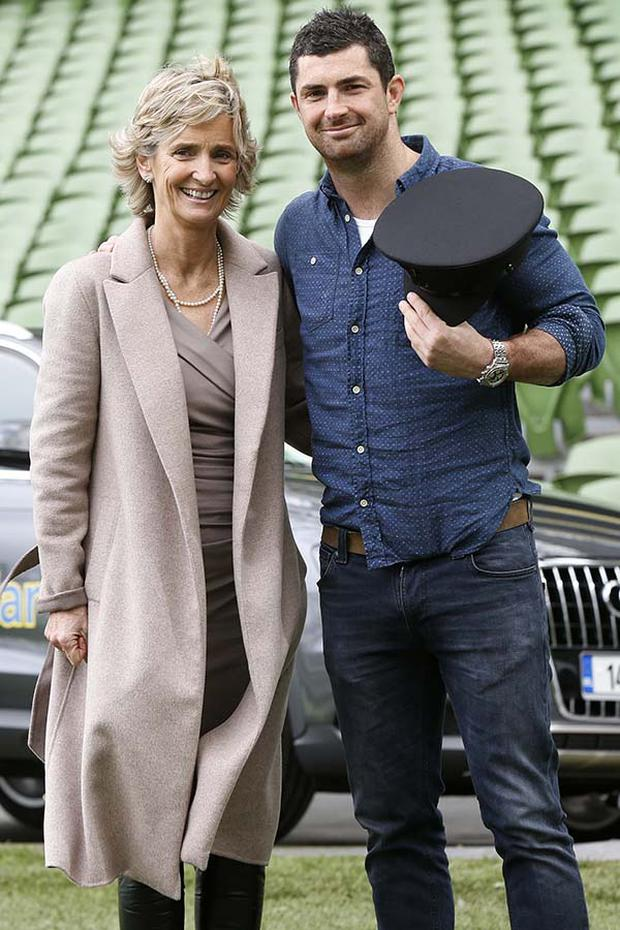 Rugby star Rob Kearney posed with his mother Siobhan last year for a special Mother's Day offer at Aviva. A woman, who we predict is proud as punch of her two sons Rob and Dave's thriving rugby careers.