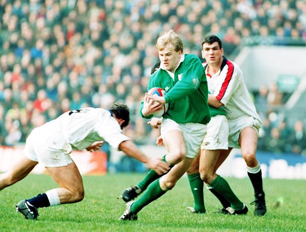 Simon Geoghegan of Ireland on the attack against England, Five Nations, 1994