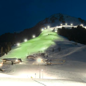The skiwelt in Söll (ski resort), in Austria, joins Tourism Ireland's Global Greening, to celebrate the island of Ireland and St Patrick.
