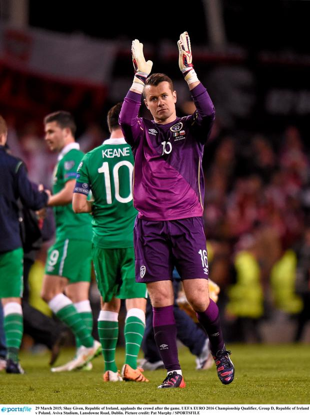 Shay Given, Republic of Ireland, applauds the crowd after the game. UEFA EURO 2016 Championship Qualifier, Group D, Republic of Ireland v Poland. Aviva Stadium, Lansdowne Road, Dublin. Picture credit: Pat Murphy / SPORTSFILE