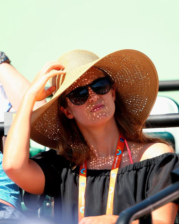 KEY BISCAYNE, FL - MARCH 31: Kim Sears fiancee of Andy Murray of Great Britain watches him play against Kevin Anderson of South Africa in their fourth round match during the Miami Open Presented by Itau at Crandon Park Tennis Center on March 31, 2015 in Key Biscayne, Florida. (Photo by Clive Brunskill/Getty Images)