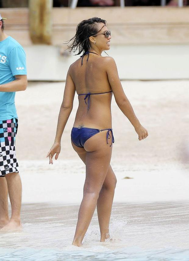 Jessica Alba (33) looks incredible as she holidays in St Barths