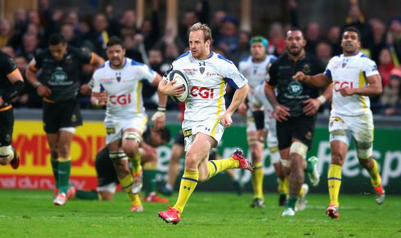 Nick Abendanon of Clermont Auvergne breaks clear to score a try during the European Rugby Champions Cup quarter final match between Clermont Auvergne and Northampton Saints