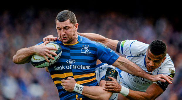 Rob Kearney, Leinster, is tackled by Anthony Watson, Bath