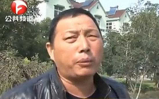 Mr Zhang, drove past an injured woman who turned out to be his mother Photo: news.qq.com