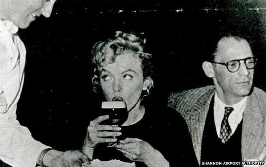 Marilyn Monroe having an Irish Coffee in Shannon Airport