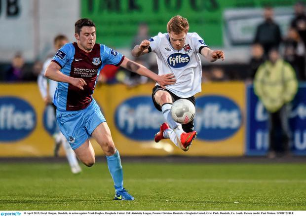 10 April 2015; Daryl Horgan, Dundalk, in action against Mark Hughes, Drogheda United. SSE Airtricity League, Premier Division, Dundalk v Drogheda United. Oriel Park, Dundalk, Co. Louth. Picture credit: Paul Mohan / SPORTSFILE
