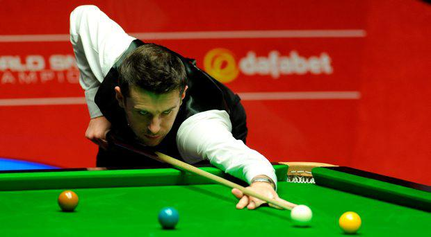 Mark Selby in action