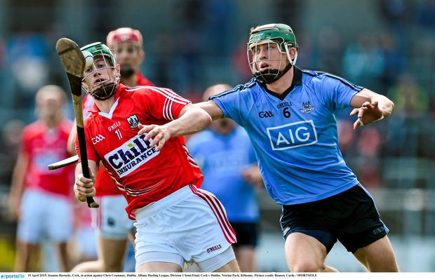 Seamus Harnedy, Cork, in action against Chris Crummey, Dublin. Allianz Hurling League, Division 1 Semi-Final, Cork v Dublin. Nowlan Park, Kilkenny. Picture credit: Ramsey Cardy / SPORTSFILE