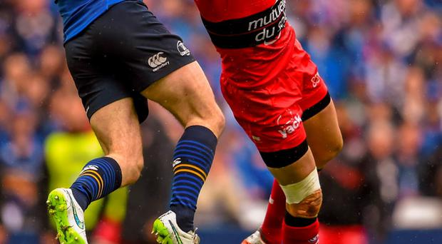 Fergus McFadden, Leinster, in action against Bryan Habana, Toulon. European Rugby Champions Cup Semi-Final, RC Toulon v Leinster. Stade V?lodrome, Marseilles, France. Picture credit: Stephen McCarthy / SPORTSFILE