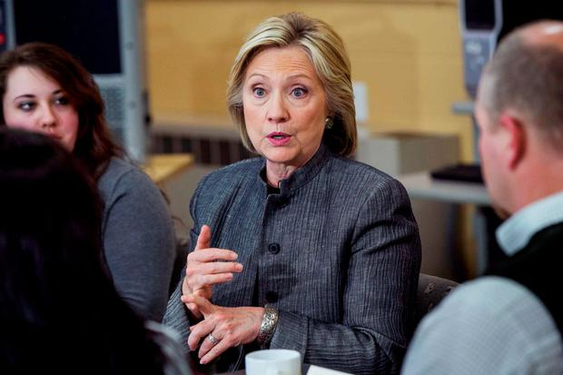 US presidential candidate and former Secretary of State Hillary Clinton participates in a discussion in a classroom at New Hampshire Technical Institute while campaigning for the 2016 Democratic presidential nomination. Photo: Reuters