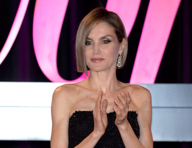 Queen Letizia of Spain attends the 2015 'Woman Awards' Ceremony at the Casino de Madrid on April 20, 2015 in Madrid, Spain. (Photo by Fotonoticias/WireImage)