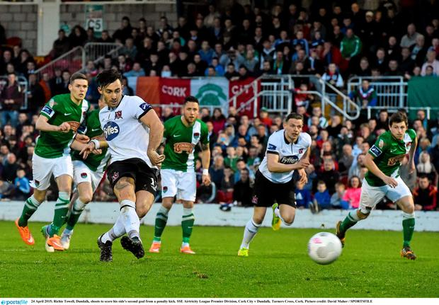 24 April 2015; Richie Towell, Dundalk, shoots to score his side's second goal from a penalty kick. SSE Airtricity League Premier Division, Cork City v Dundalk. Turners Cross, Cork. Picture credit: David Maher / SPORTSFILE