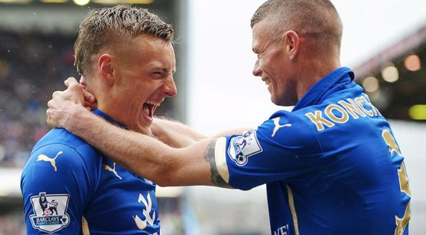 Leicester City's Jamie Vardy celebrates with Paul Konchesky after scoring their winning goal Action Images via Reuters / Paul Burrows Livepic