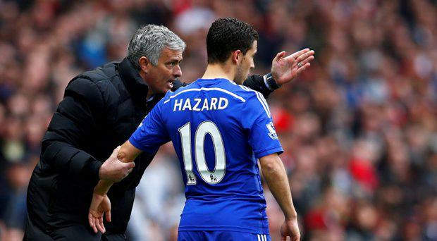Chelsea manager Jose Mourinho speaks with Eden Hazard
